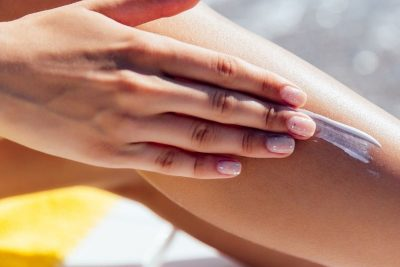 Cosa sono le fotodermatiti: cause, sintomi e prevenzione